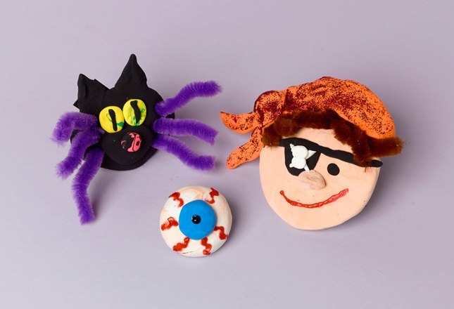 Halloween 'Boo!' Magnets craft