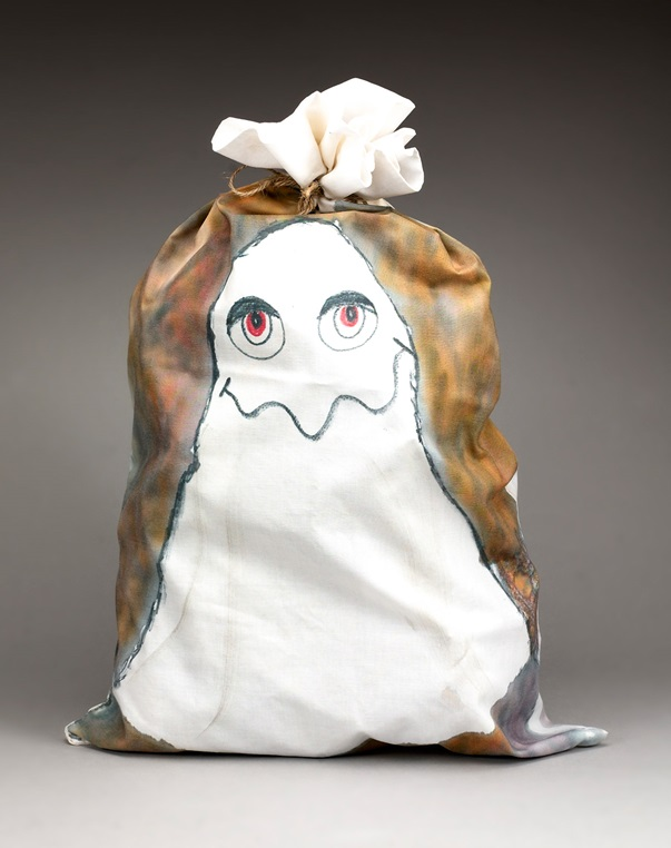 Ghostly Goodie Bag craft